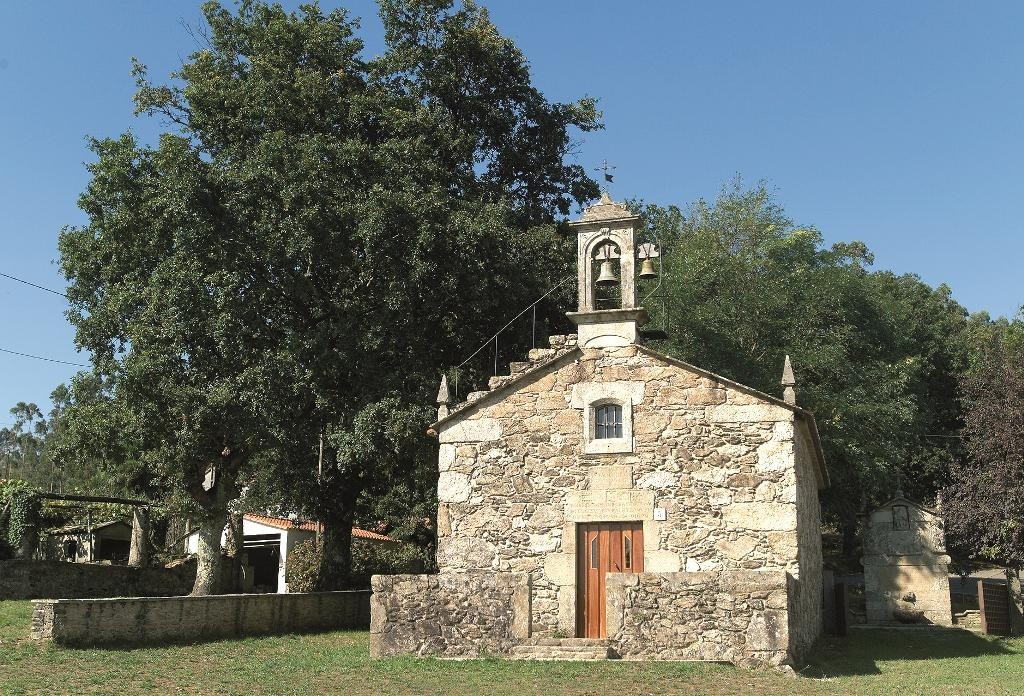 Capilla y Fuente do Santiaguiño