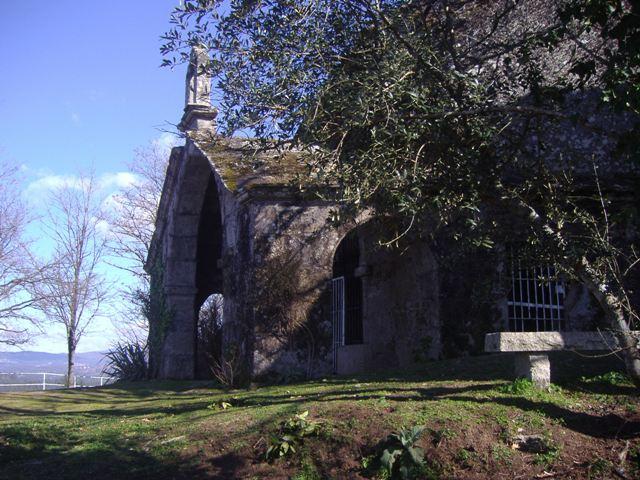 capilla_asuncion_-_pesqueiras__monte_castelo_3.jpg