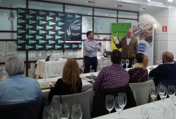 El Corte Inglés de Ramón y Cajal (A Coruña) acogió la sesión de Notas de Cata de la Ruta do Viño Rías Baixas a ritmo de música clásica