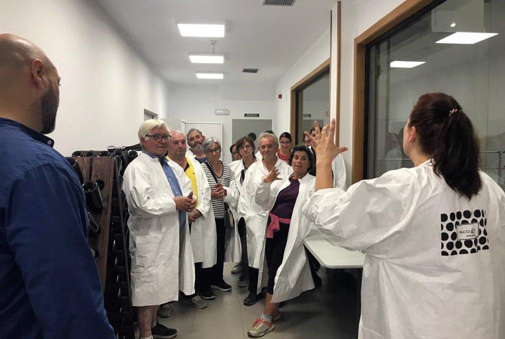 La Ruta do Viño Rías Baixas organizó una visita en lengua de signos para la Asociación de Persoas Xordas de Pontevedra