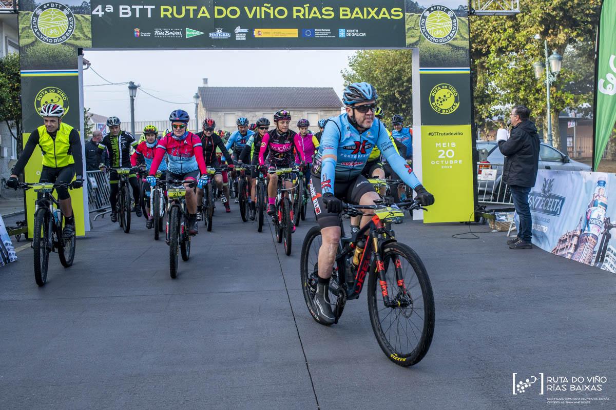 Galería fotográfica de la 4ª BTT Ruta do Viño Rías Baixas en Meis