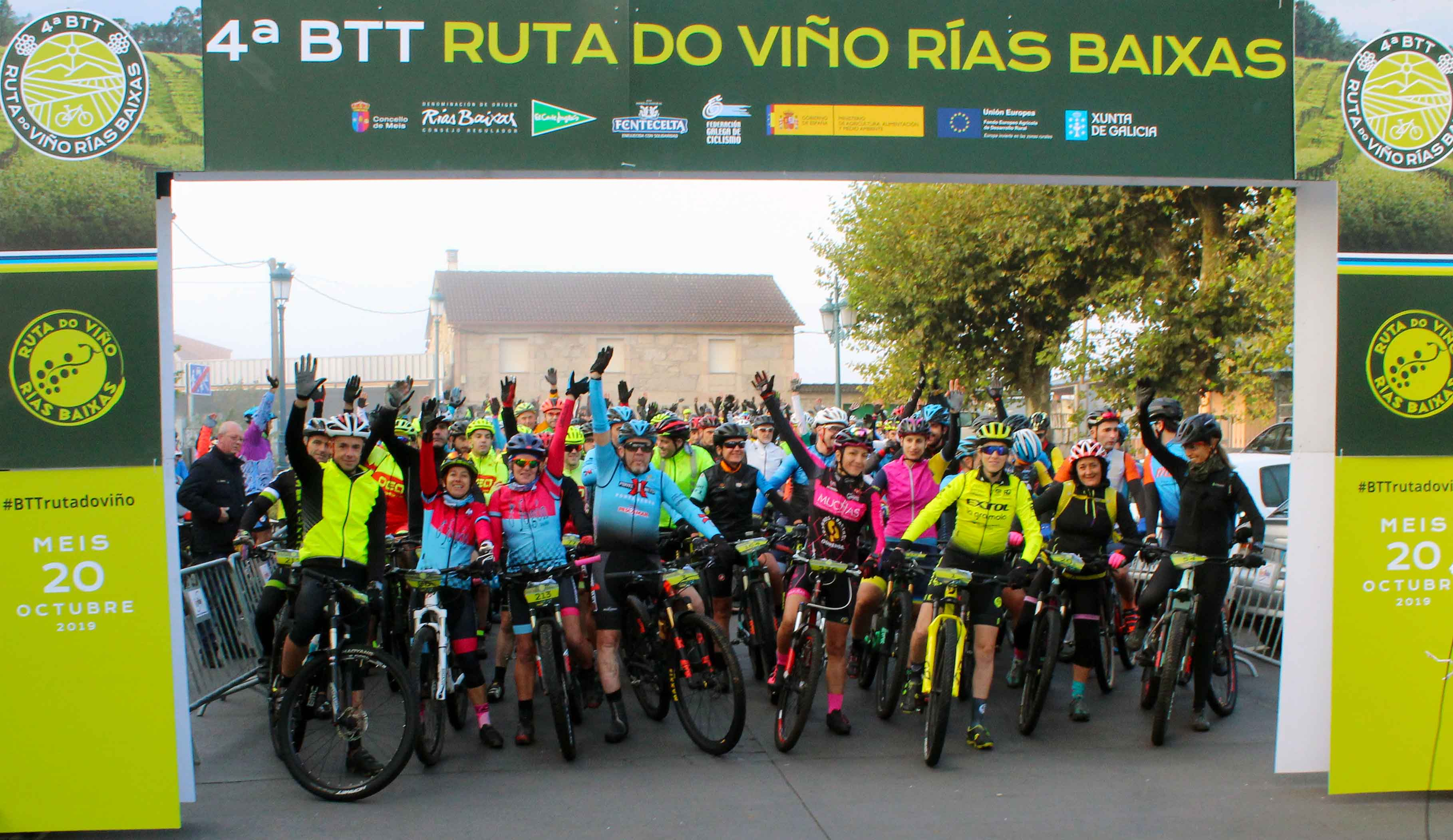 Más de 200 amantes del ciclismo participaron en la 4ª BTT Ruta do Viño Rías Baixas celebrada en Meis