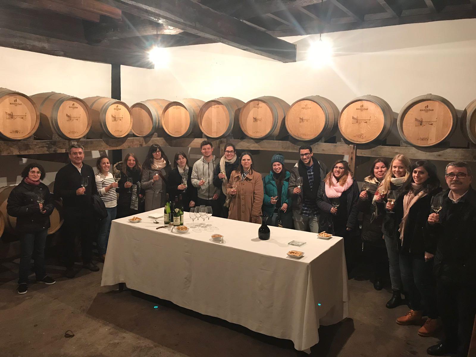 El Máster en Planificación y Gestión de Destinos y Productos Turísticos de la UDC visita la Ruta do Viño Rías Baixas