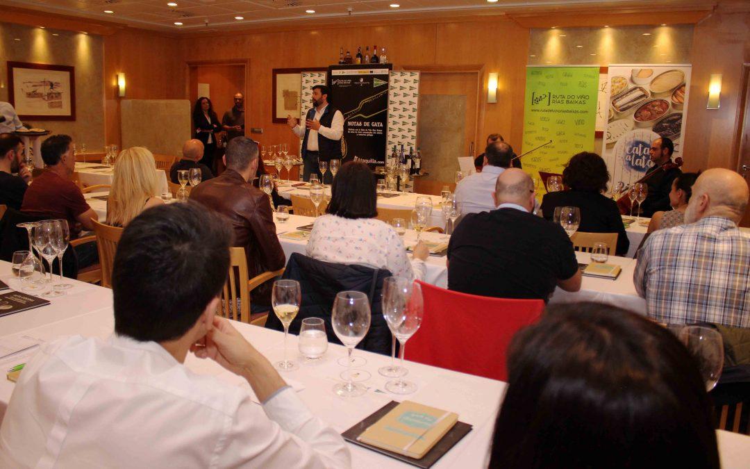 Excelente acogida a las 'Notas de Cata'  de la Ruta do Viño Rías Baixas en El Corte Inglés de Santiago